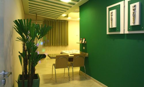 img-suite-luxo-com-hidro-cadeiras-belle-motel