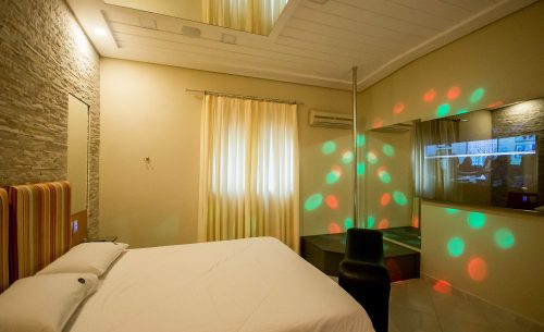 img-suite-luxo-com-hidro-cama-belle-motel