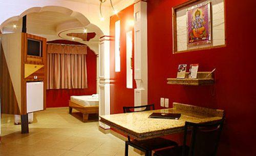 img-suite-luxo-com-hidro-cortina-belle-motel