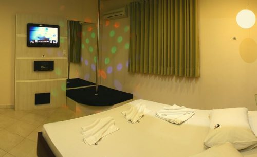 img-suite-luxo-com-hidro-pole-dance-belle-motel