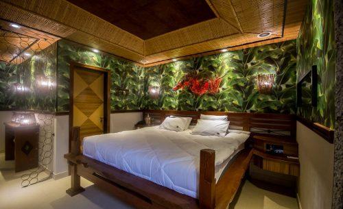 img-suite-presidencial-bangalo-cama-de-madeira-belle-motel