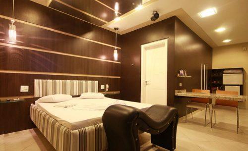 img-suite-super-luxo-iluminacao-belle-motel