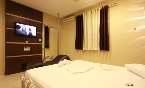 img-suite-super-luxo-toalhas-belle-motel